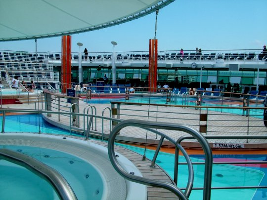 Freedom of The Seas Main Pool